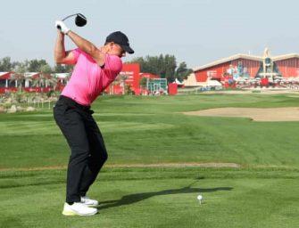 Rory McIlroy al frente en Abu Dhabi